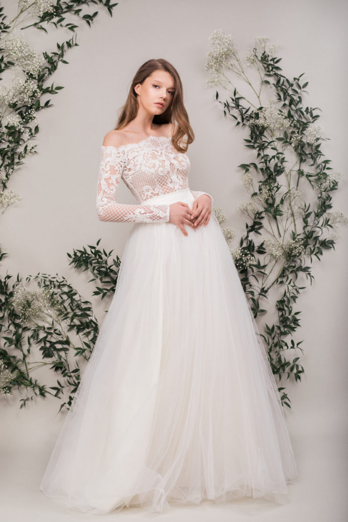 rochie-mireasa-ivoire-tulle-fin-maigre